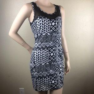 Dresses & Skirts - 3/$15 Black and White Bodycon Sleeveless Dress L